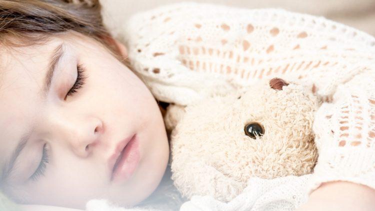Problemele de somn la copii – adevăr sau mit?